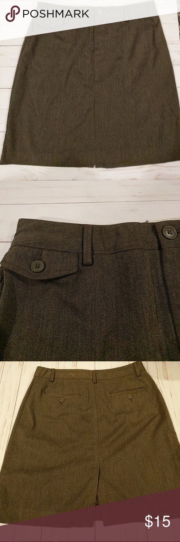 Old Navy Skirt Old Navy Skirt, brown with back pocket design and belt loops I Old Navy Skirts