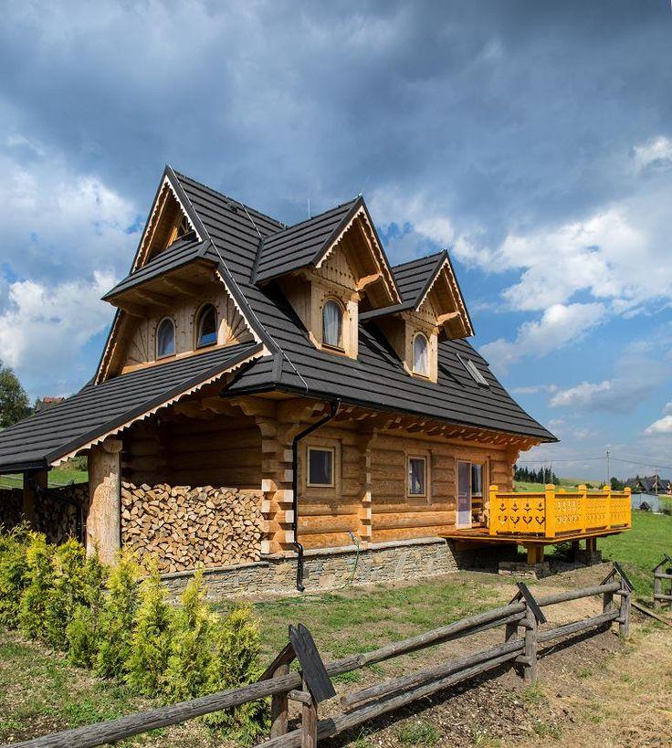 Dom z bali drewnianych wykonany tradycyjna podhalańską metodą. Przeznaczony dla 8 osób. http://www.tatrytop.pl/