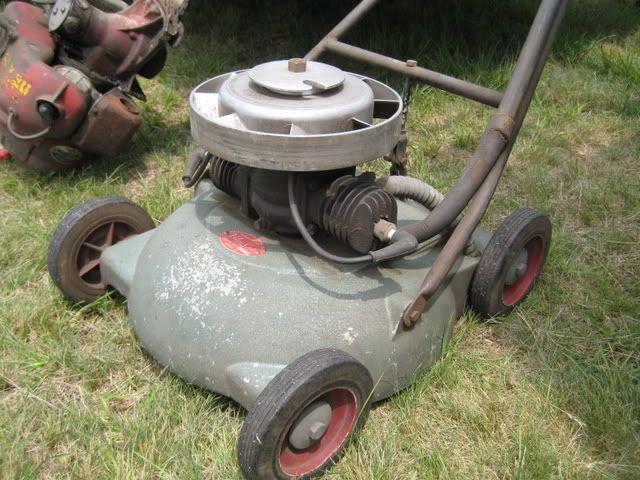 1940's Maytag Velva-Cut.  Powered by a 2 cylinder Maytag Twin engine