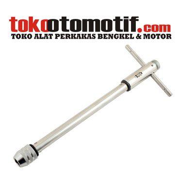 Kode : 13006000804 Nama : Ratchet Tap Wrench Long L 250 mm 5-12 mm BENZ WERKZ Merk : BENZ WERKZ Tipe : Ratchet Tap Wrench Long Status : Siap Berat Kirim : 1 kg