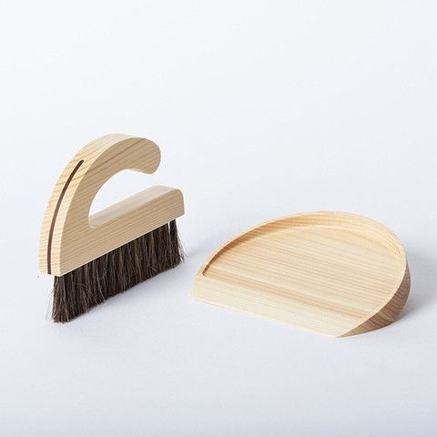 Brush Pan Set with Horsetail brush and made from Japanese conifer wood