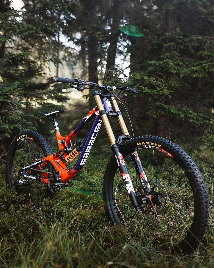 A Downhill Mountain Bike Is A Full Suspension Bicycle Designed For Downhill Cycling On Particularly Stee Mountain Biking Gear Best Mountain Bikes Downhill Bike