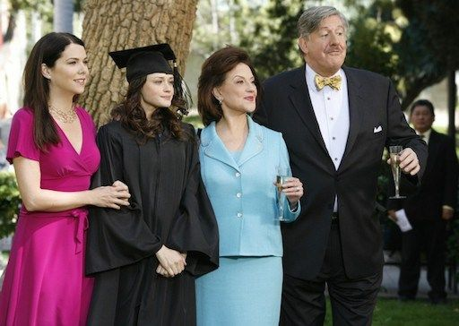 Lauren Graham Remembers Gilmore Dad Edward Herrmann: 'He Lit Up Any Room He Entered'.  Lauren Graham is the latest Gilmore Girls star to pay tribute to late actor Edward Herrmann, who died Wednesday of brain cancer. Graham, who played Herrmann's daughter Lorelai on the beloved dramed...