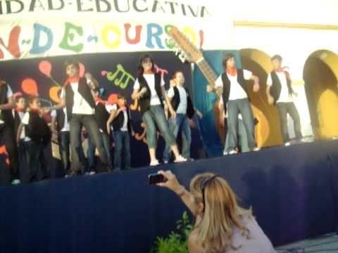 aqui tenemos la actuacion de 6º de primaria del Colegio Salesiano de San Jose del Valle, representando la cancion mas destacada del famoso musical de los 40.