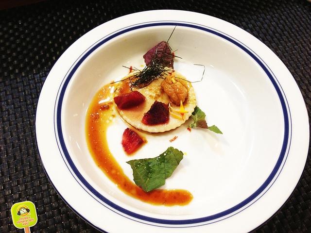 YUJI RAMEN - 5 course ramen tasting - ramen dough ravioli with miso and uni by www.chubbychinesegirleats.com, via Flickr