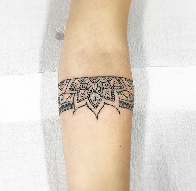 les 43 meilleures images du tableau jacky tatouages sur pinterest tatouages bordeaux et merci. Black Bedroom Furniture Sets. Home Design Ideas