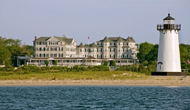 Harbor View Hotel & Resort: On Martha's Vineyard, the Harbor View Hotel has 114 seaside chic suites and cottages.