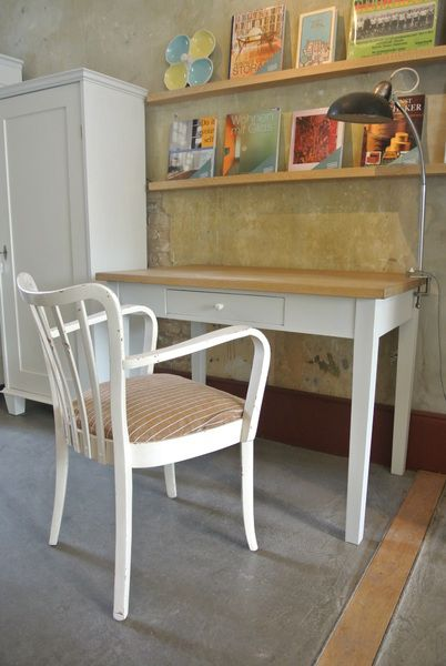 Weißer Esstisch mit Eichenholzplatte von Stattfein auf DaWanda.com