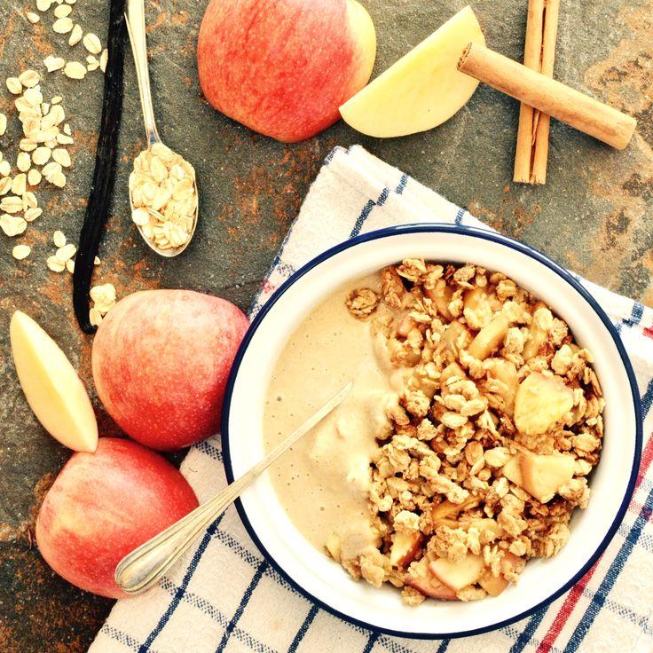 Äppelsmulpaj med vaniljsås! Receptet finns i meny 11.  www.allaater.se