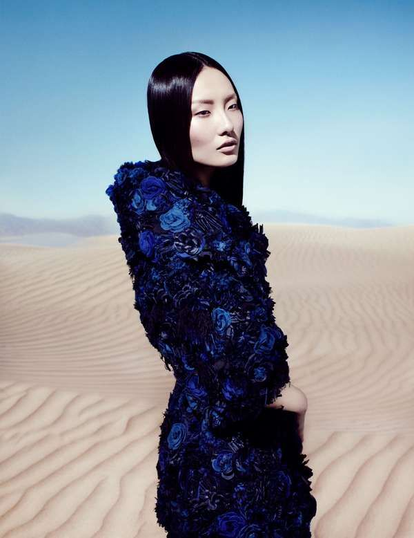 16 Opulent Under the Sea Editorials - From Mermaid Photo Shoots to Submerged - #inspiration #bleu #saphir