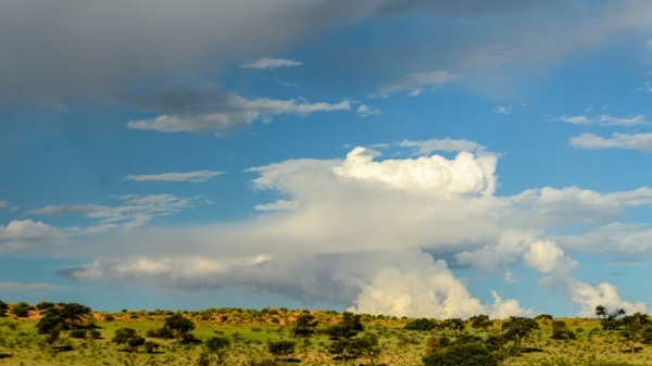 Cloud formation in Kgalagadi