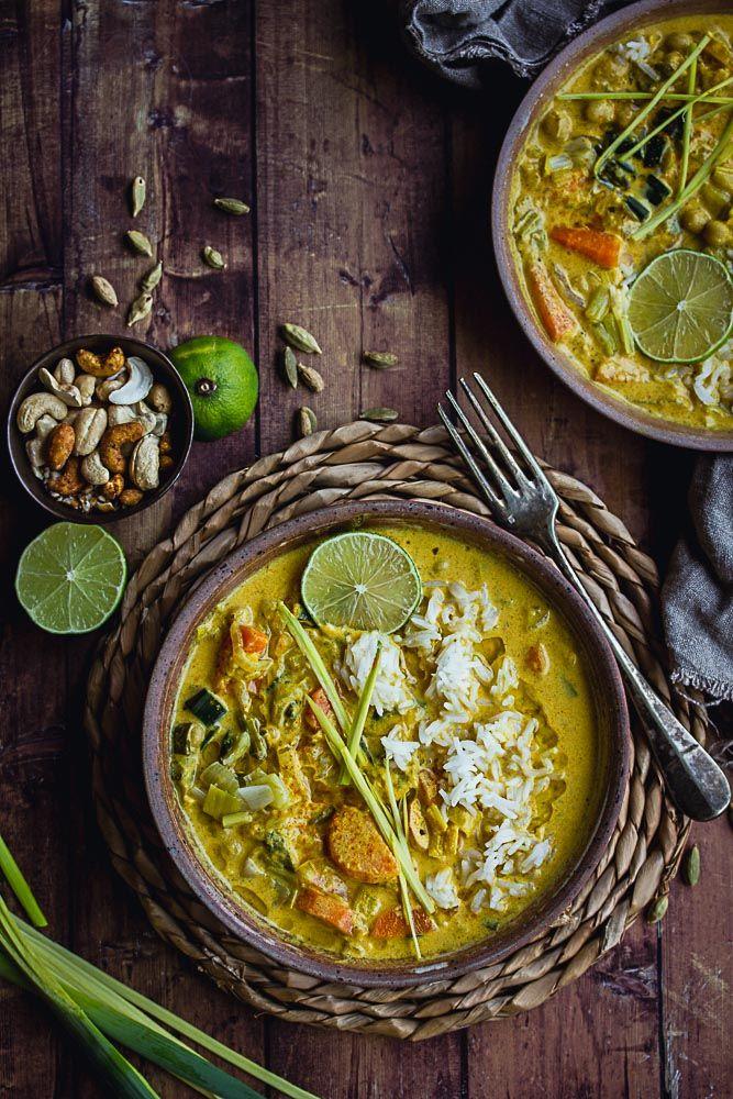 Chaud, réconfortant, facile à réchauffer ... Ce curry de légumes saura vous charmer par bien des aspects! Je vous donne les secrets de mon mélange d'épices, et de ma sauce curry, pour un plat végétal parfait.