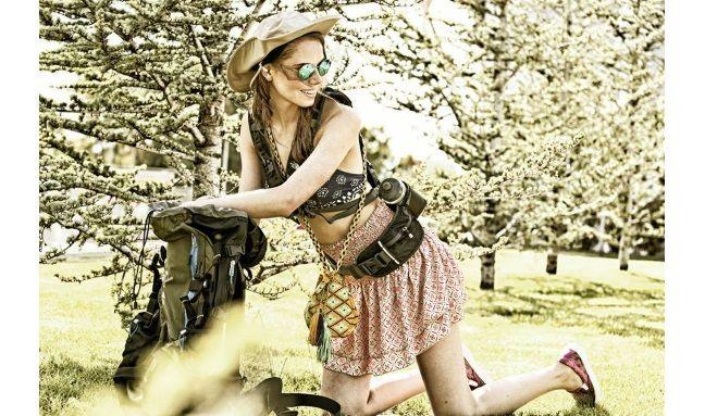 Backpacks και καπέλο The North Face,τοπ από μαγιώ Υamamay, φούστα Regalinas, πουγκί Sinu, slip ons Salvatore Ferragamo (Καλογήρου) #welovewomen2014 #welovewomen_goldenhall