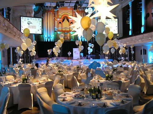 Inflatable stars, balloons - Red Pebble Event Design