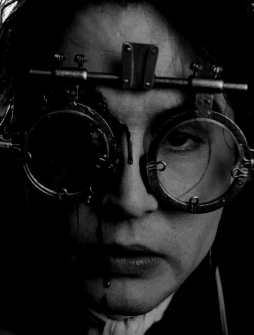 Johnny Depp in 'Sleepy Hollow', 1999. S)