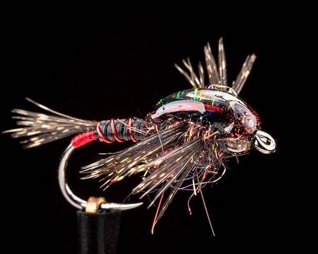 Them @fireholeoutdoors hooks are #stupidsharp #EbbsForceFlies #fireholeoutdoors #loonoutdoors #flyfishfood #harelinedubbin #whitingfarms #flytying #tyingflies #flytyingjunkie #flytyingaddict #flugbindning #stonefly #nymphflies #flyfishing #flyfishingonly