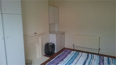 Double Room for rent in quiet shared house - Saltburn-by-the-sea, North Yorkshire. I have a furnished double room for rent in Saltburn.   The room has fitted wardrobes, plenty of storage too. There is one shared bathroom with a toilet and we have another toilet next to the bathroom.