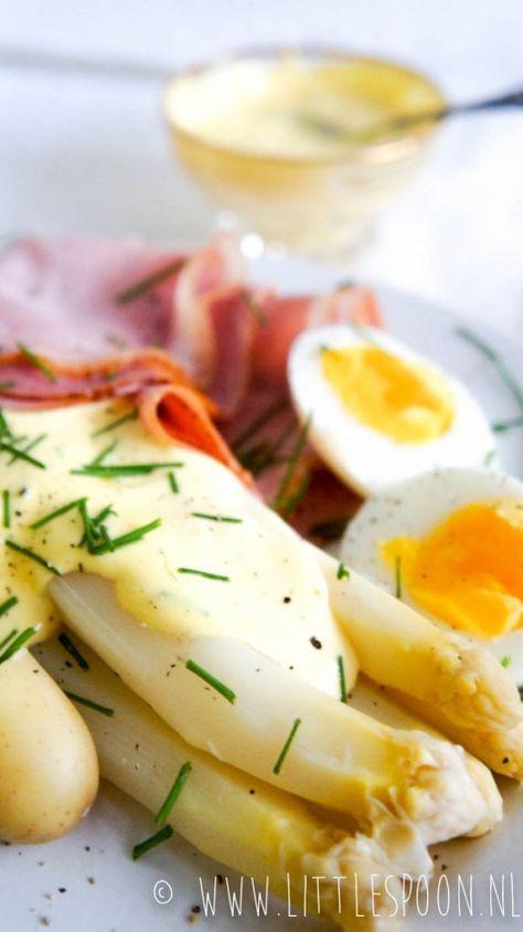 Witte asperges met ham, ei en snelle hollandaisesaus - Little Spoon