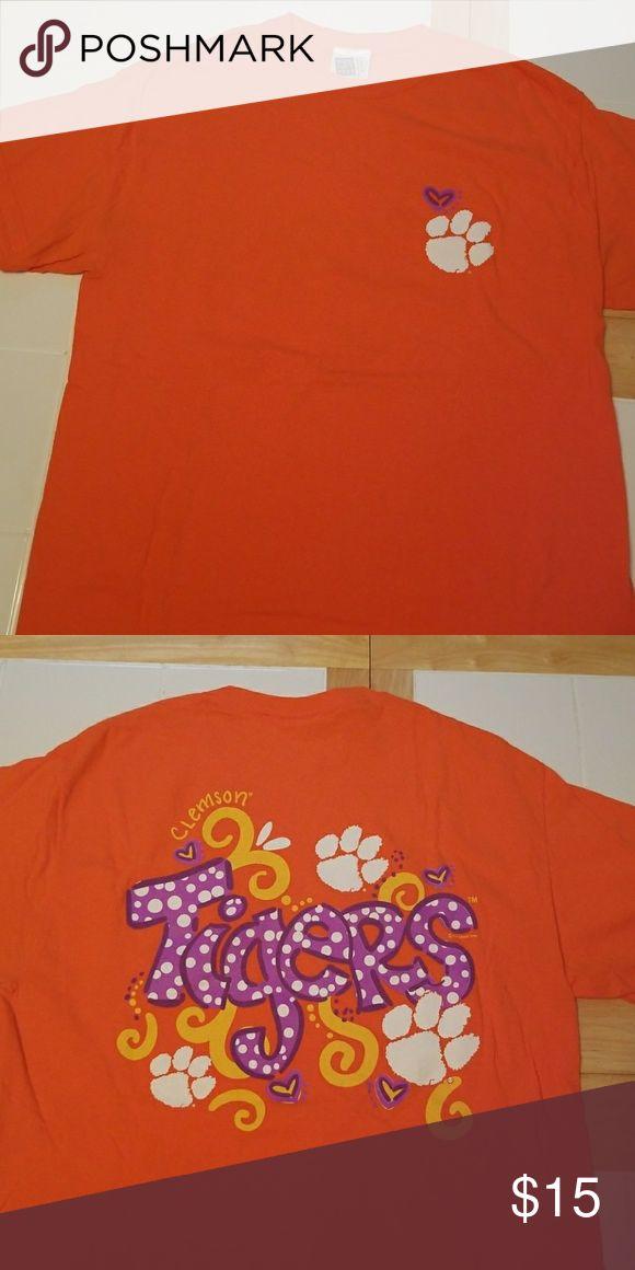 Palmetto Moon Clemson Tiger T-shirt Palmetto Moon Clemson Tiger T-shirt Size Medium Tops Tees - Short Sleeve