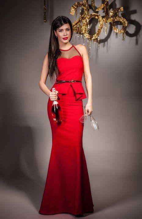 Rochie lunga perfecta pentru serile in care vrei sa radiezi. Este ideala pentru evenimentele unde trebuie sa participi si sa arati impecabil. Talia este evidentiata de curea, iar peplumul iti va crea un look sexy indiferent de silueta ta.