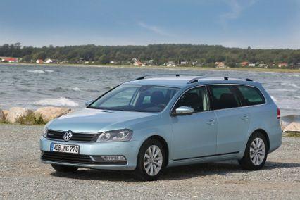 De Volkswagen Passat Variant 2013 BlueMotion nu met 20% bijtelling. Bekijk hem op: https://www.nieuweautokopen.nl/volkswagen/passat/aanbieding/