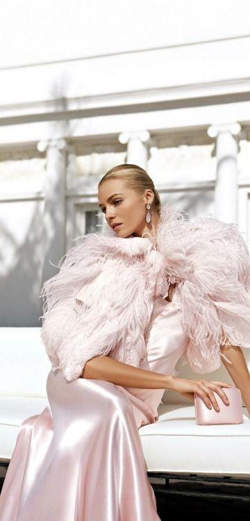 Effortlessly elegant.  Via @jena1125. #elegant #gowns.