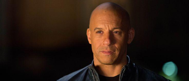 http://mundodecinema.com/vin-diesel/ - Vin Diesel é hoje bem conhecido por protagonizar a saga de filmes de acção Fast and Furious. Nascido a 18 de julho de 1967, em Nova Iorque, Vin Diesel – que na verdade se chama Mark Sinclair - não veio sozinho: com ele veio o irmão gémeo Paul. Neste post, revelamos a biografia deste bem conhecido ator.