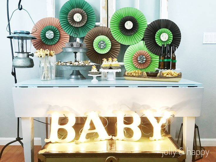 """DIY Cupcake Wrappers for a """"Happy Camper"""" Baby Shower with Cricut"""