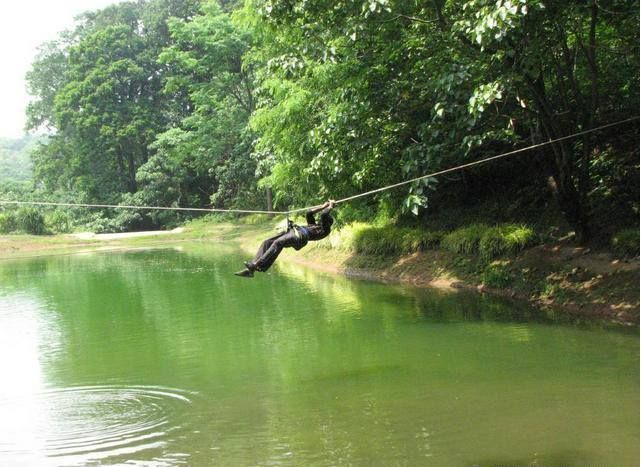 Flame of the Forest   Situated 77 km from Indore on Nemawar Road, Near #Indore Flame of the forest has several outdoor activities - Boating, Rappelling, River Crossing, Flying Fox, Trekking along with sports courses, activity days, jungle safaris and camping.