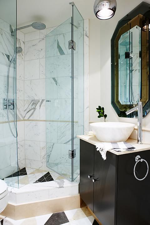 Vintage Modern Condo Guest Bathroom - Sarah Richardson Design