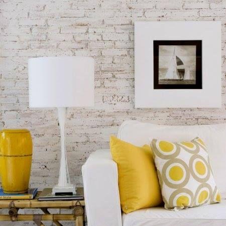 Papel de parede de tijolinho a vista não é difícil de aplicar, é capaz de mudar completamente o ambiente. Veja aqui o nosso passo a passo!