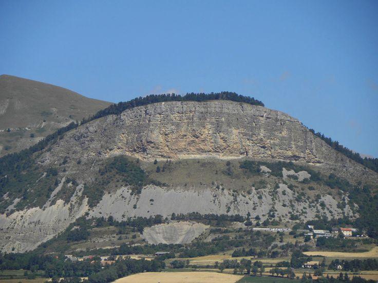 """Nouvelle grande voie """"particulière"""" au Chapeau de Napoléon, Hautes Alpes: http://www.escalade.pro/news/nouvelle-grande-voie-chapeau-napoleon-05/"""