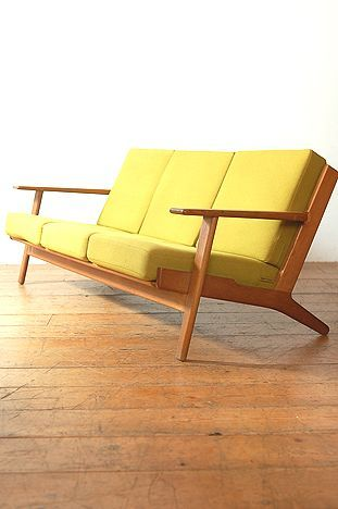 Original Hans Wegner Oak Sofa  #modersofa #sofadesign #sofaideas. Find more design inspiration on our blog ♥ http://roomdecorideas.eu/ ♥                                                                                                                                                     More