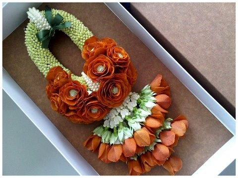 Mehndi Flower Garlands : Best fresh flower jewelery images indian