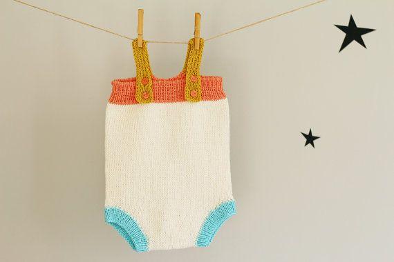 Barboteuse Handknit coton tricoté bébé fille Jumpsuit par LalaKa, $39.00