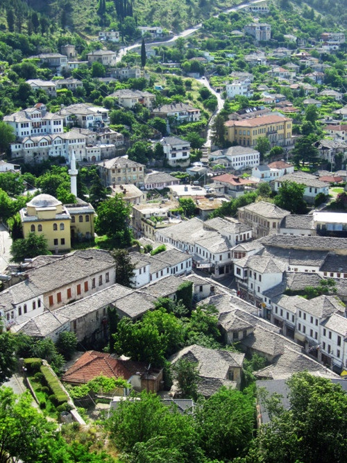 Gjirokaster, ALBANIA   (World heritage city)   (TrekEarth)