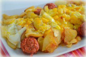 Huevos rotos con patatas y chorizo. Fácil y rápido.