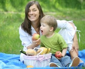 Kid friendly picnic recipes & tips