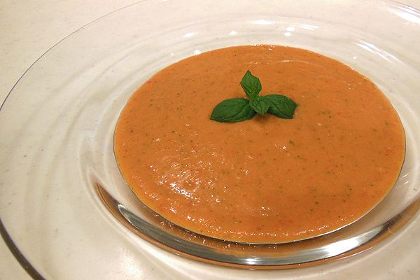 こんにちは。現役ママナースで栄養士、Jr.野菜ソムリエのこうよしです。今回は、夏野菜の栄養を一気に摂れる冷製スープをご紹介します。ご紹介するのは「ガスパチョ...