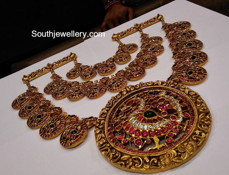 Three Step Kundan Peacock Bottu Haram, Latest indian jewellery designs, 22 carat gold antique jewellery designs