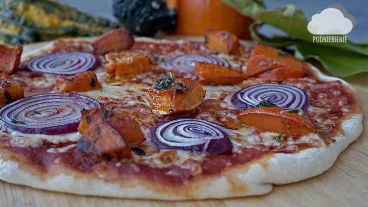 PIZZA Z DYNIĄ - PodNiebienie #pizza #dynie #drożdże #halloween #PodNiebienie #obiad #wiemcojem #dinnertime #dinner #healthy #kuchnia #kitchen #foodlove #foodphotography #pornfood #foodporn #polishblogger #cleaneating