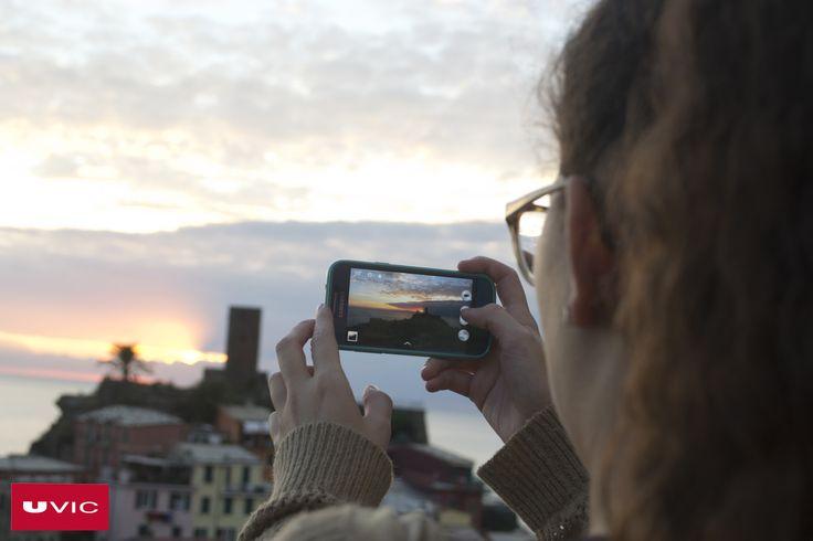 """Dolors Raurell Bellavista, estudiant de Mestre d'Educació Infantil i Primària, ha participat en el programa Erasmus a Itàlia i ens deixa la genial frase: """"De gent que et regalarà somriures, coneixements, abraçades i experiències n'hi ha per tot el món; només cal viatjar i descobrir-la""""  #CampusInternacional #UVic #uviclife #LaUVicAlMón #education #italia"""