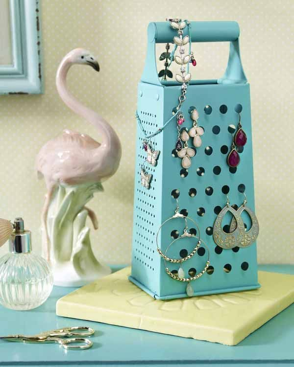 8+Clever+Jewelry+Organizers+Even+Newbies+Can+Make