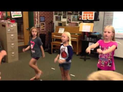 Yankee Doodle - YouTube - A little Yankee Doodle dance for your viewing pleasure. Here is J-town's 2nd grade. The music is from Music K8 and is Yankee Doodle's Pony.