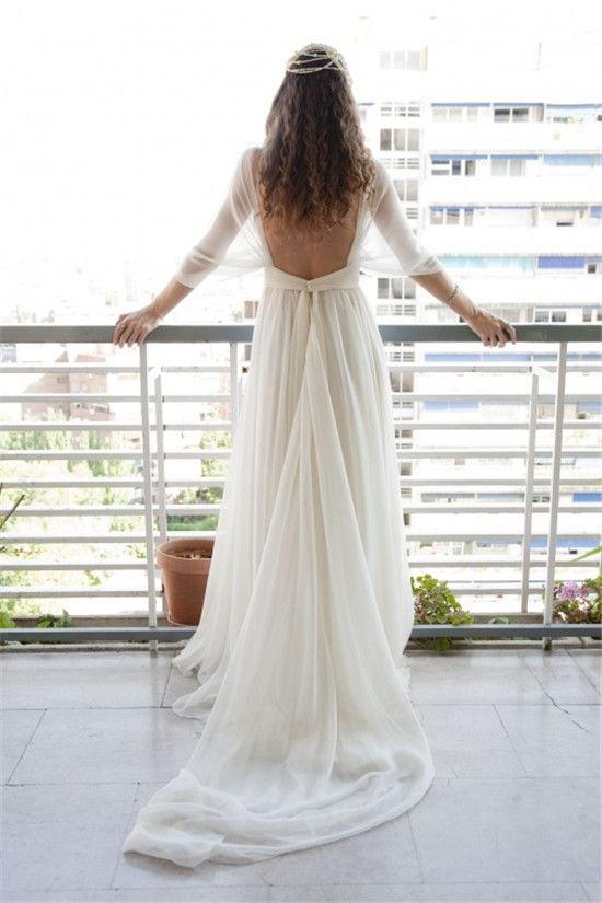 Robe sexy, bohème chic, simple…Quelle tendance de robes de mariée vous séduira ?