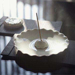 광주요 하늘빛 연꽃 연잎 향꽂이 세트 / Kwangjuyo sky-blue lotus incense holder set / 34,200 won