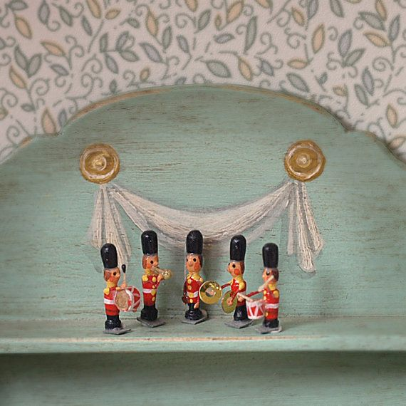 Band of five tiny soldiers scale 112. Making by MINIATURAFR, €25.00