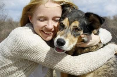 L'animale domestico è la cosa più preziosa che ci possa capitare nella vita, sanno ricambiare perfettamente l'amore ricevuto. A dimostrazione di ciò, oggi vogliamo raccontarvi la storia di Haus, un pastore tedesco che viveva in un rifugio per animali in ...