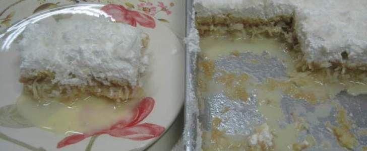 Receita de Torta de coco afogada