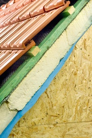 Wärmedämmung gehört zum neuen Dach. Von Toms-Dach Dachdeckermeister Sven Tomaschke in Berlin (12099) | Dachdecker.com